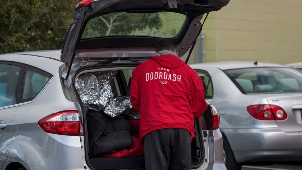 DoorDash drivers game algorithm to increase pay  image
